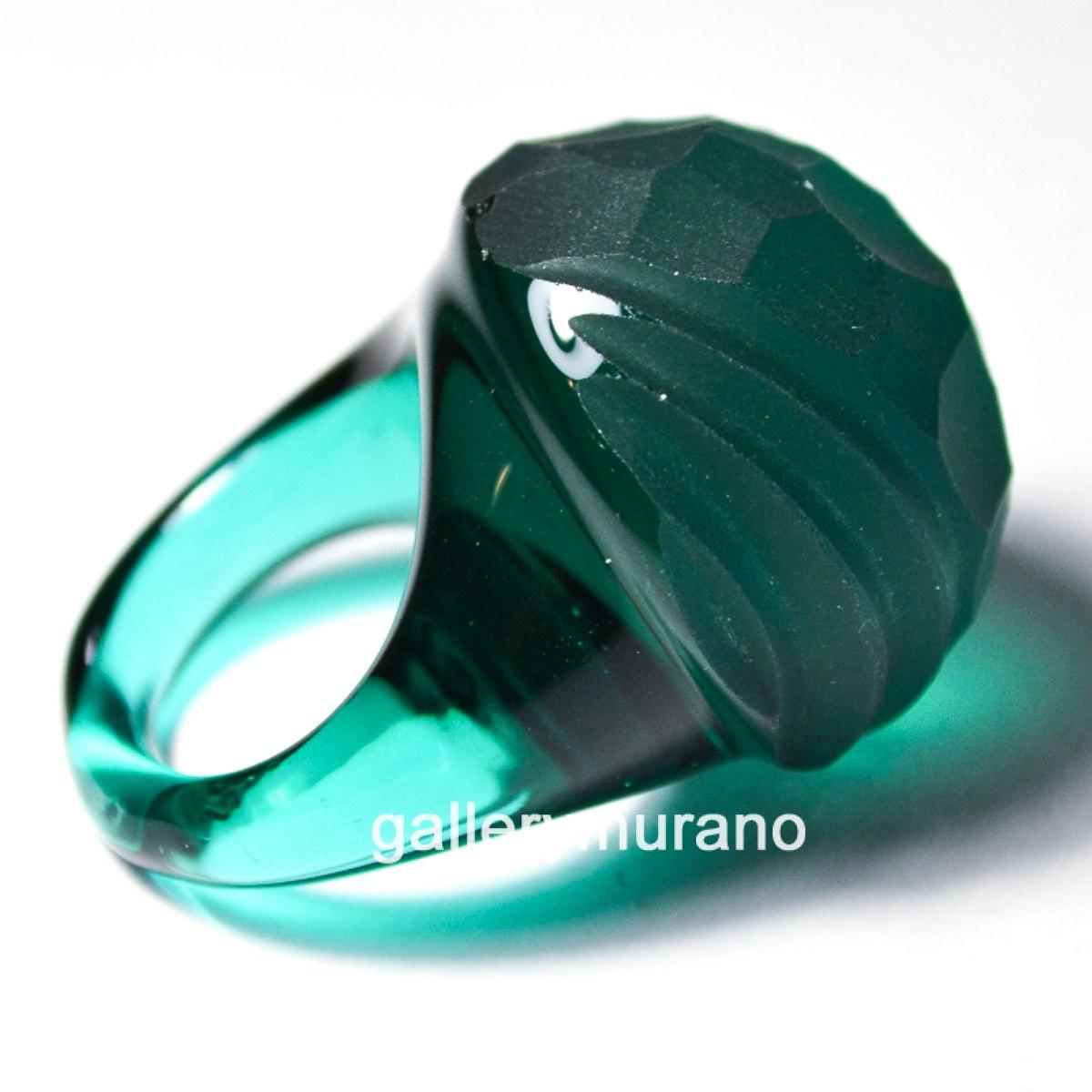 Кольцо матовое зеленое