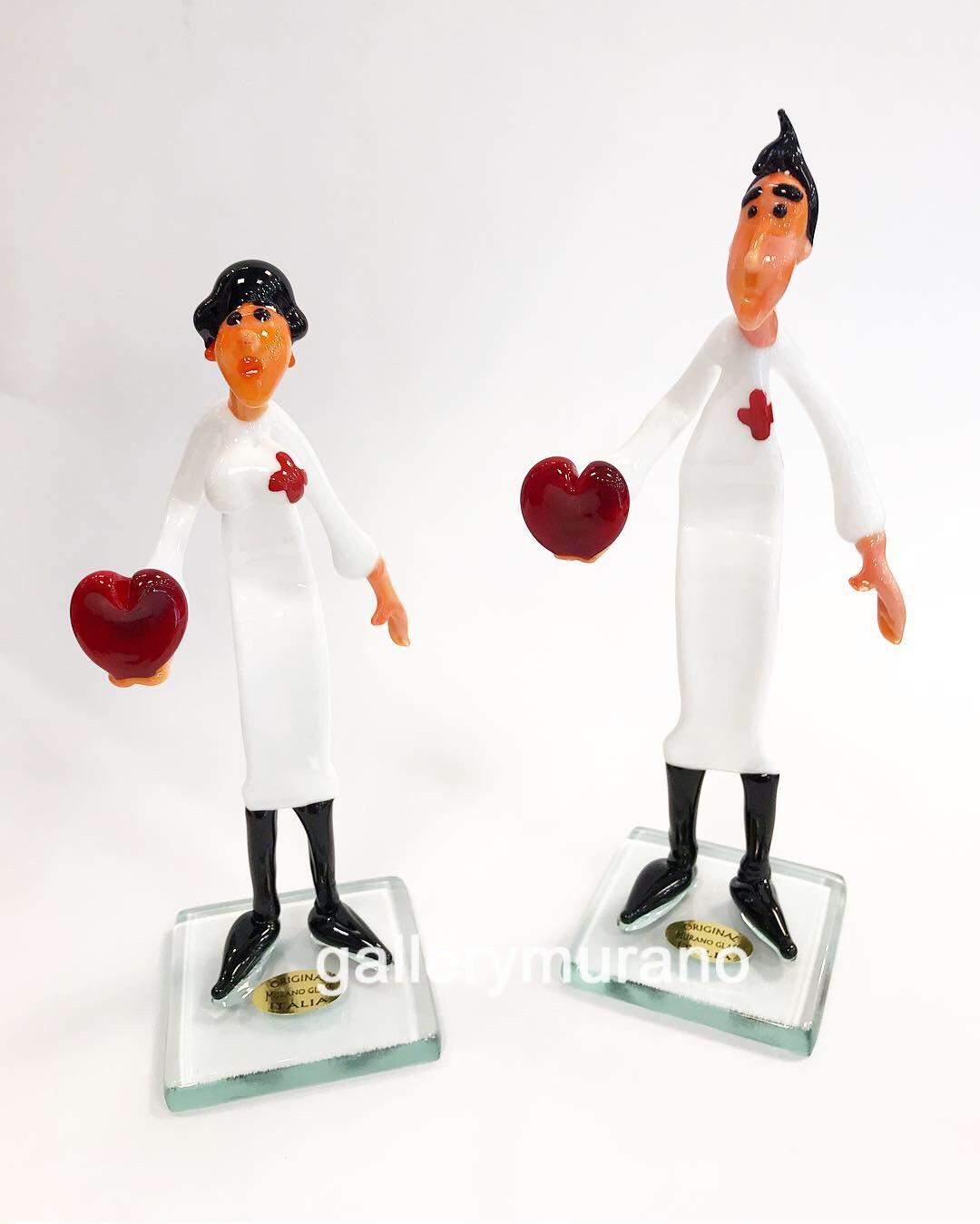 Фигурка доктор кардиолог