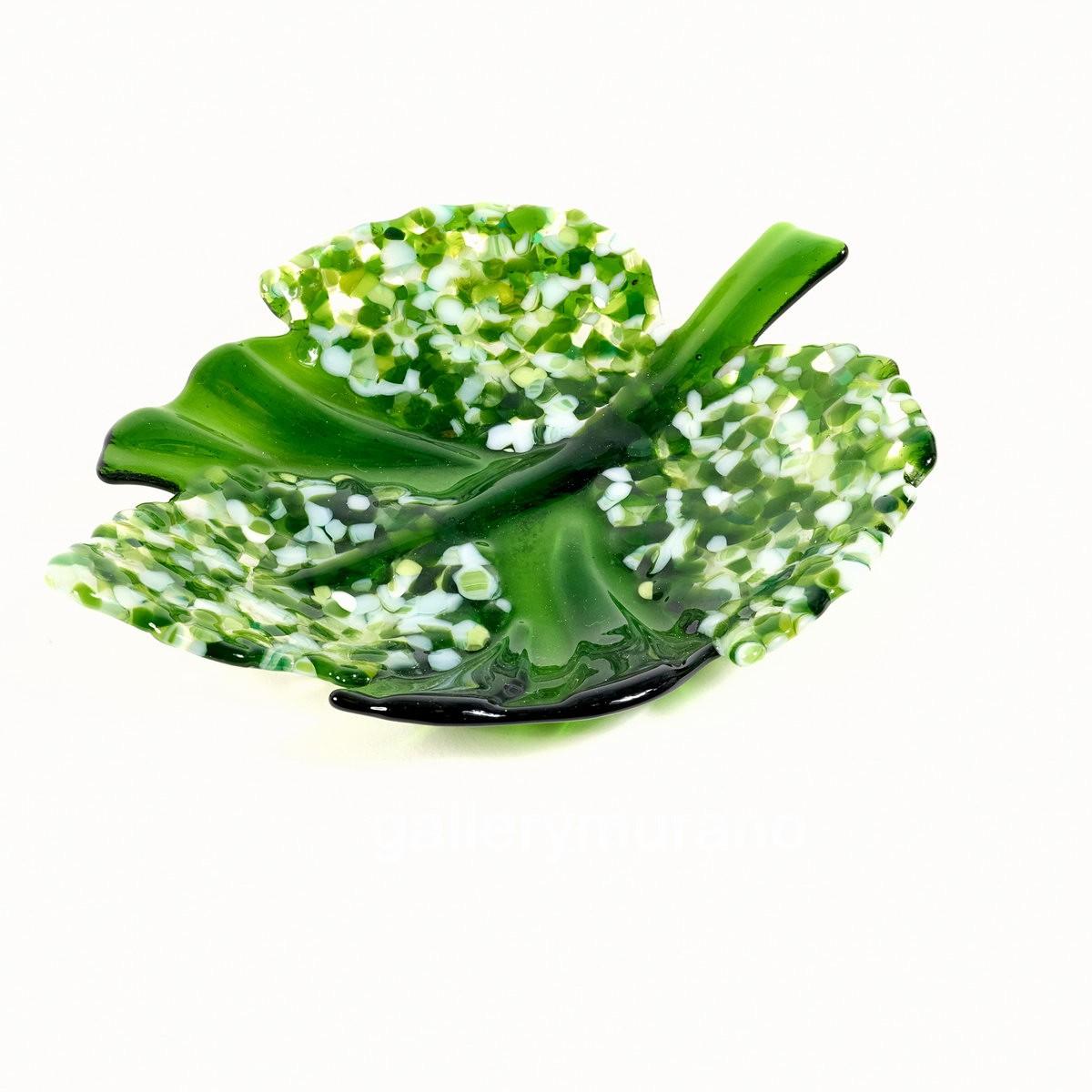 Блюдо лист зеленый